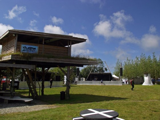 The finishing touches are in place as the main stage area opens to the public at @LEOPALLOOZA