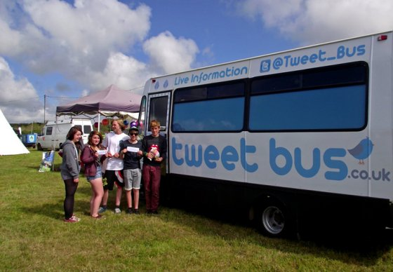 Shout out to Lucy, Mitch, Ben & friends who wanted their photo taken with @Tweet_Bus at the @LEOPALLOOZA festival.